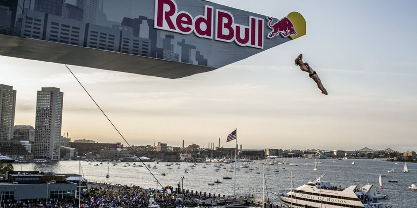 Redbull cliff diving World Series: a Boston Duque guadagna terreno.